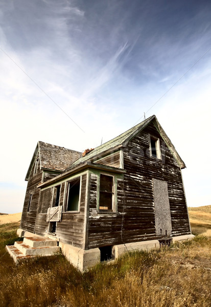Stock photo: Abandoned old farm house in the Dirt Hills of Saskatchewan